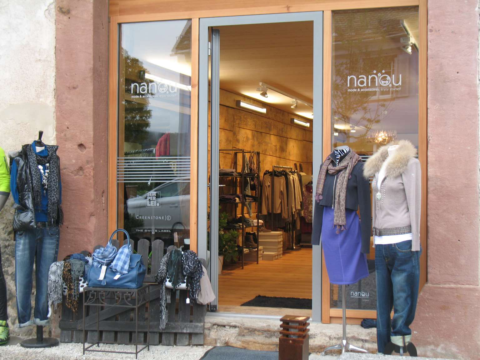 Shop Nanou